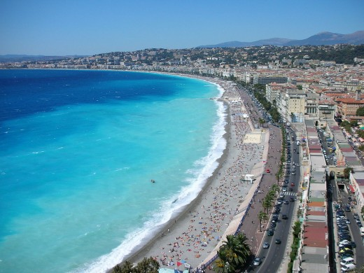 1280px-Nice-seafront