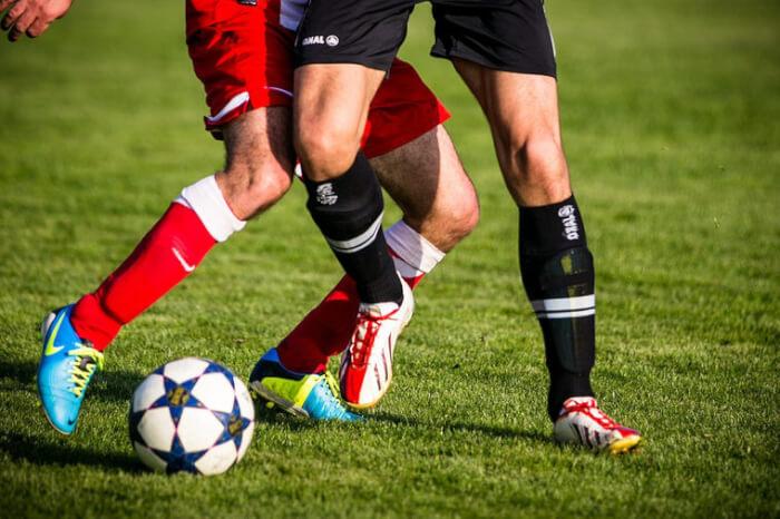 Первый забитый мяч ногой